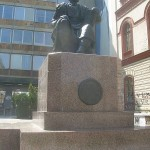 Spomenik Petra II Petrovića Njegoša u Beogradu ispred zgrade Filozofskog fakulteta.