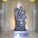 Statua Njegoša u njegovom mauzoleju