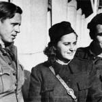 Mira Alečković, Branko Ćopić i Blažo Koneski u partizanima (1944).